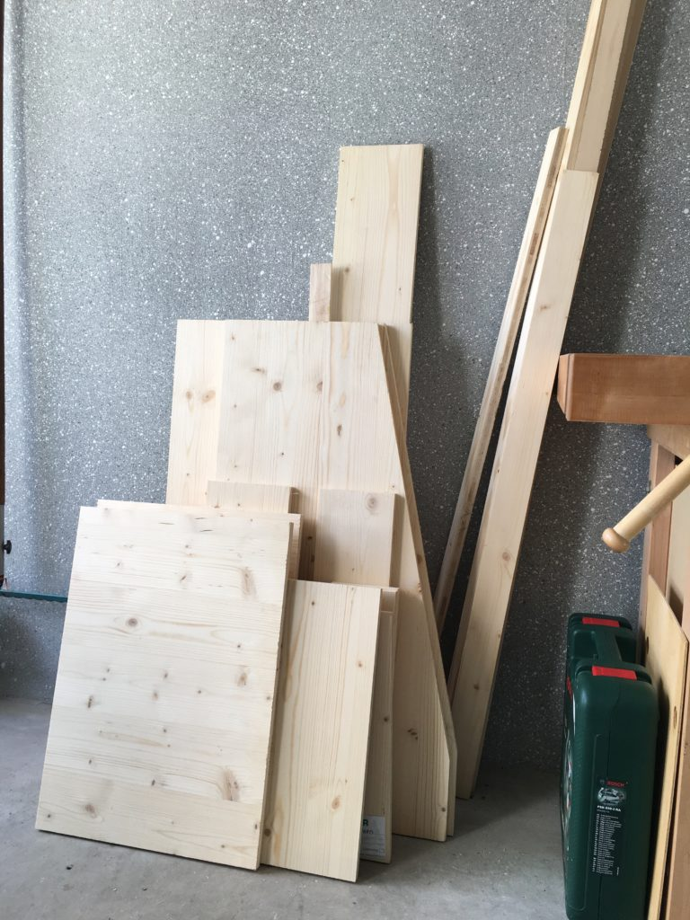 Building a Pinball Cabinet from BCX Plywood (19mm). Cut pieces ready for assembling.
