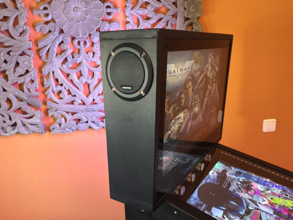 Virtual Pinball Backbox - Montage der Lautsprecher und des Audio-Systems